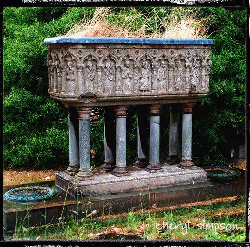 1904-Tomb