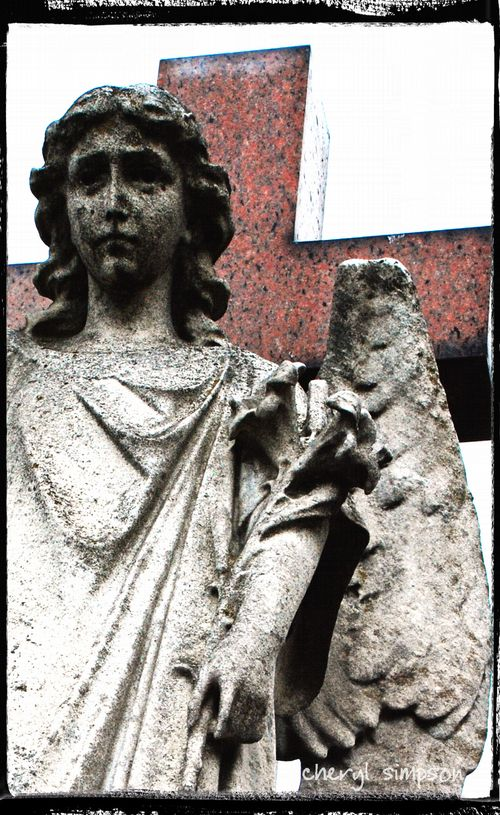 Angel-with-Pink-Cross