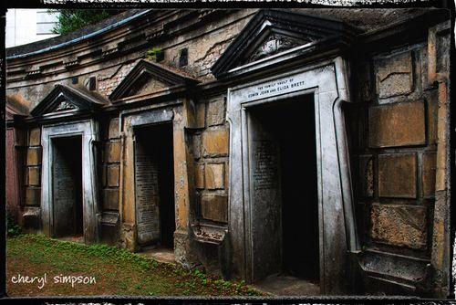 3-Tomb-Doors