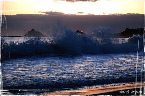 Sunrise-and-wave