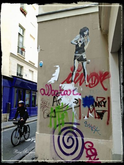 Marais-Graffiti-1