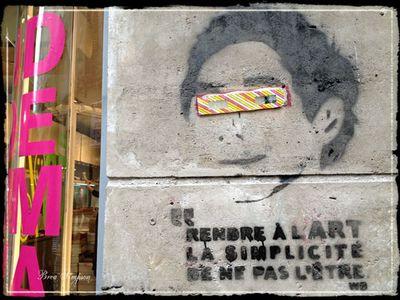 Marais-Graffiti-2