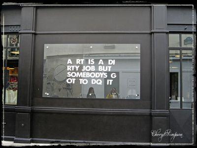 Marais-Graffiti-3